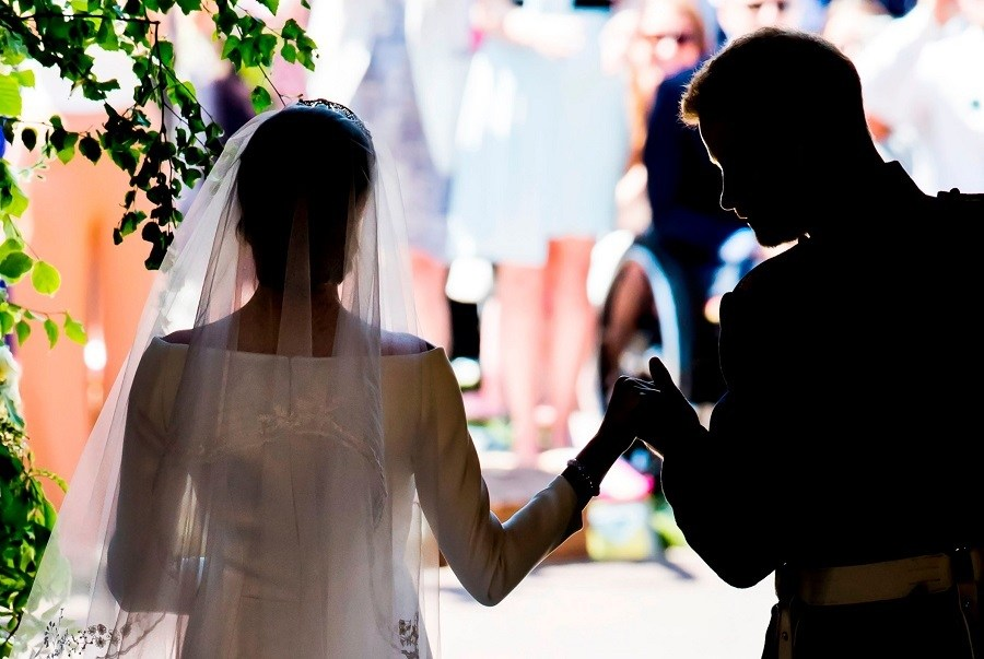 60 Essential Royal Wedding Classics Review
